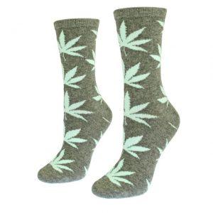 Mot. pilkos kojinės su kanapių lapais